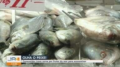 Com alta da carne bovina, procura por pescados cresce nos mercados de SC - Com alta da carne bovina, procura por pescados cresce nos mercados de SC
