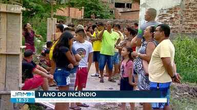 Moradores do Educandos afetados por incêndio se reúnem para cobrar respostas sobre indeniz - Caso ocorreu em 2018