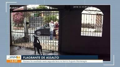 Câmera flagra homem sendo agredido após ser assaltado em Manaus - Caso ocorreu no bairro Augusto Montenegro.