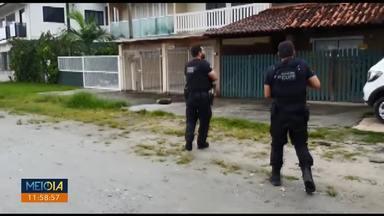 Polícia faz operação contra o tráfico de drogas - 20 mandados foram cumpridos em Matinhos