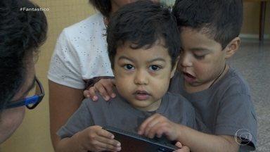 Gêmeos que fizeram transplante de coração se reencontram - Enzo e Benjamin nasceram com crescimento exagerado do coração.