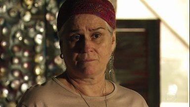 Lucinda confirma que Carminha é mãe biológica de Jorginho - Tufão a pressiona e consegue arrancar a verdade