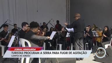 Turistas aproveitam véspera de Natal na Serra da Mantiqueira - Hotéis e pousadas estão bastante procuradas nesta época do ano.