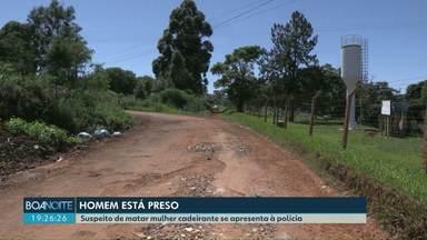 Suspeito de matar cadeirante em Cascavel se apresenta à polícia - Mulher foi encontrada morta em um terreno na área rural da cidade. Rapaz tem 19 anos e o caso está sendo tratado como feminicídio.