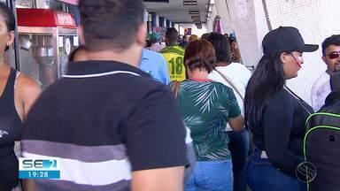 Rodoviárias em Aracaju têm bastante movimento na véspera de Natal - Muita gente aproveitou a data para passar a data com a família.