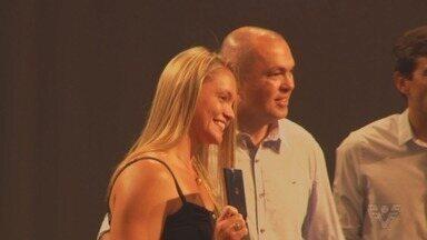 Atletas de Santos são premiados pelas conquistas ao longo de 2019 - A campeã mundial Beth Gomes, do paratletismo, foi uma das que recebeu a honraria da Prefeitura de Santos.
