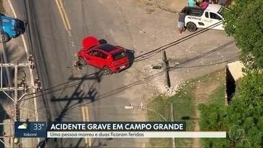 Uma pessoa morre e duas ficam feridas em acidente grave em Campo Grande - Carro com as vítimas bateu em um poste na Avenida Santa Cruz durante a madrugada.