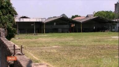Polícia quer ouvir dono de terreno onde menino de 10 anos foi morto por cães, em SP - Na quinta-feira (26), parentes e amigos se despediram do garoto Luiz Fernando.