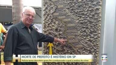 Polícia tenta descobrir quem matou o prefeito de Ribeirão Bonito, interior de SP - Francisco José Campanér foi assassinado a tiros na quinta-feira (26) numa emboscada. Ele dirigia um carro oficial da prefeitura, onde estavam o chefe de gabinete e um amigo.