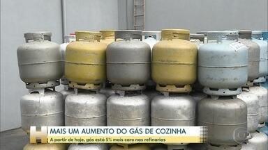 Preço do botijão de gás tem reajuste de 5% - Esse é o terceiro mês seguido em que o preço aumenta. O novo preço vale nas refinarias, mas já preocupa os consumidores.