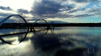 Partiu Férias: conheça o centro histórico de Brasília - A cidade tem um céu deslumbrante e muitas belezas: parques, lagos e monumentos. Brasília é a única capital moderna do mundo que tem o título de Patrimônio Mundial da Humanidade.