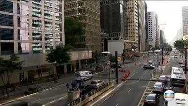 Avenida Paulista espera um público de dois milhões de pessoas para curtir o réveillon - Festa da Virada na Avenida Paulista é um dos cinco maiores eventos de São Paulo e movimenta cerca de R$ 630 milhões.