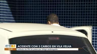 Soldado da PM é preso por dirigir embriagado em Vila Velha, ES - Ele foi liberado depois de pagar fiança. O soldado se envolveu em um acidente com outros dois carros na Praia da Costa, na madrugada desta quarta-feira (1º).