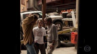 Miguel exige que Davi se proteja dos agressores de Amanda - Advogado descobre que o filho foi atacado