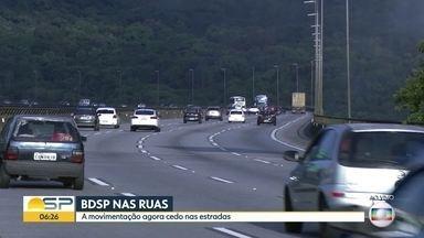 Movimento é tranquilo nas estradas de SP nesta manhã - Maioria dos veículos voltou para a capital no final de semana; BDSP acompanha o movimento nas rodovias dos Imigrantes, Mogi-Bertioga, dos Tamoios e no Sistema Castello-Raposo