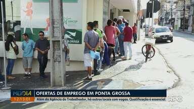 Fila na Agência do Trabalhador é enorme pelo segundo dia seguido em Ponta Grossa - Muita gente está atrás de oportunidades de trabalho neste ano e o Meio-Dia Paraná te traz dicas de outros locais para encontrar vagas.