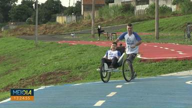 Projeto incentiva esporte para pessoas com deficiência - O projeto é realizado há dois anos em Ponta Grossa.