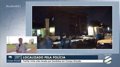 Polícia encontra trailer que tinha sido levado por bandidos no Aero Rancho - Veículo é usado como escritório móvel e estava escondido dentro de casa.