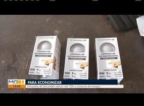 Lâmpadas de led podem reduzir até 10% no consumo de energia - Moradores trocam lâmpadas para garantir a economia.