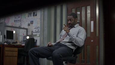 Episódio 4 - A polícia busca por um serial killer após uma série de assassinatos. A frequência das mortes aumenta e os agentes descobrem que o assassino guarda lembranças das vítimas.