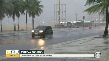 Chuva forte deixa o Rio em estágio de atenção - A chuva começou neste domingo (12). Na Rocinha choveu 25% que era esperado para o mês de janeiro.