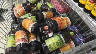 Sobe para 17 número de casos notificados da síndrome nefroneural em Minas Gerais - Investigadores encontraram na cervejaria Backer uma substância tóxica que a fábrica dizia não usar.
