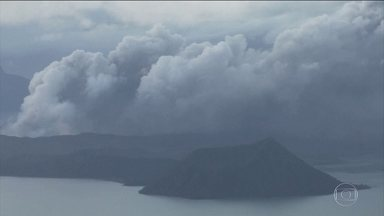 Vulcão nas Filipinas provoca mais de 200 tremores de terra - O vulcão Taal lança lava e cinzas a 2km de altura; grande erupção pode ocorrer a qualquer momento.