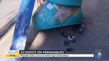 Morador bate o carro ao tentar fugir de bandidos no bairro de Pernambués - Confira.