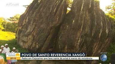 Pedra em Cajazeiras leva nome do orixá Xangô - A pedra é um marco de resistência da comunidade negra e simboliza a liberdade para os escravos que fugiam das senzalas.