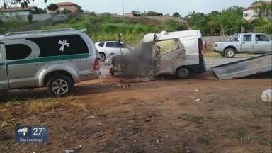 Motorista de ambulância morre em acidente na BR-459 - Motorista de ambulância morre em acidente na BR-459