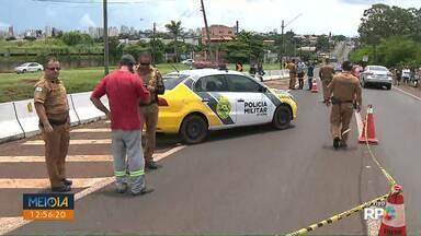 Homem morre baleado na avenida Brasília, em Londrina - PM está no local, trânsito lento