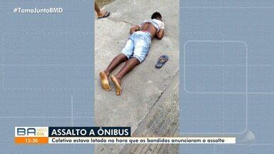 Ônibus é assaltado na BR-324, na região de Campinas de Pirajá - Coletivo estava lotado quando os bandidos agiram.