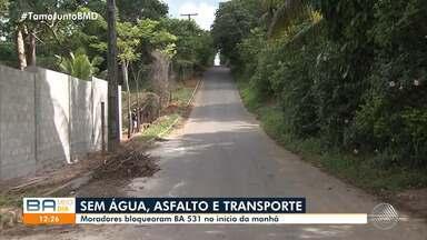 Moradores de loteamento em Abrantes fecham a Estrada das Cascalheiras durante protesto - A manifestação causou grande congestionamento nos dois sentidos da via.