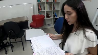 Conheça a aluna nota mil da redação do Enem - Ana Clara Socha, de 21 anos, vai usar a nota para tentar uma vaga no curso de medicina. Dos 53 participantes que tiraram nota mil na redação, apenas dois são do DF.