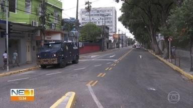 Rua Dom Bosco passa a ter sentido duplo, no Centro do Recife - Mudança é realizada em um trecho da via e faz parte das obras na Avenida Conde da Boa Vista.