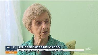 Idosa de SC ajuda 35 famílias por mês com trabalho voluntário - Idosa de SC ajuda 35 famílias por mês com trabalho voluntário