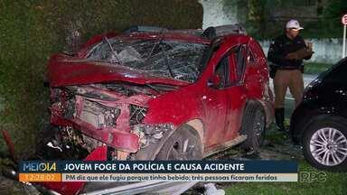 Jovem que fugia da polícia se envolve em acidente e deixa três pessoas feridas - Foi em Curitiba na madrugada deste sábado (18), PM disse que o rapaz fugiu porque havia ingerido bebida alcoólica.