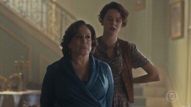 Adelaide se surpreende quando Emília afirma que quer proteger Justina de seus sonhos - undefined