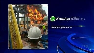 Incêndio atinge usina de açúcar e álcool após manutenção - Caso foi em Sebastianópolis do Sul. Segundo a assessoria da usina, não houve feridos e o início da safra não será prejudicado; funcionários controlaram as chamas.
