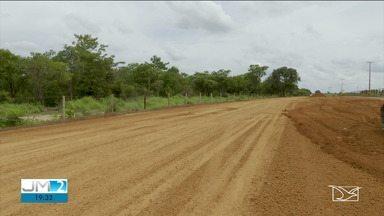 Agricultores do sul do Maranhão reclamam das condições das rodovias - Começa na próxima semana a colheita de soja no estado, mas os agricultores estão preocupados com as condições das estradas usadas no transporte da safra.