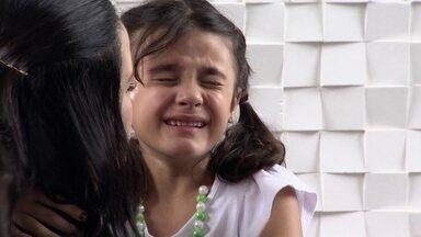 'Ah, essas crianças': como os pais lidam quando a criança é contrariada? - No último episódio do quadro, conheça a história da família da Karina e do Ricardo. Eles são pais de duas meninas, e estão com dificuldades em lidar com algumas reações da mais velha.