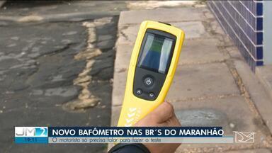 PRF usa novo aparelho para detectar motoristas embriagados no Maranhão - A principal diferença é que o novo aparelho consegue detectar o álcool apenas pela fala.