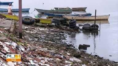 Lixão desativado em Gramacho há 8 anos continua em funcionamento até hoje - A área que deveria estar em recuperação ambiental é controlada por criminosos.
