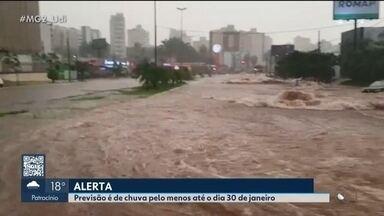 Triângulo Mineiro está em alerta de chuvas fortes até o dia 30 de janeiro - Apesar do estado de atenção, órgãos de defesa civil afirmam que não há motivo para pânico.