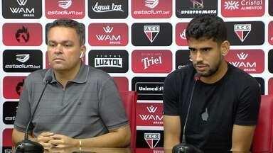 Zé Roberto deixa o Atlético-GO após apenas um jogo - Atacante recebe proposta dos Emirados Árabes e deixa o Dragão.
