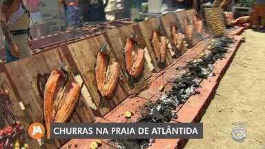 Competição Paleta Atlântica promove uma churrascada na beira da praia - Evento acontece na praia de Atlântida e surgiu com um grupo de amigos.