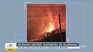 Incêndio destrói kitnets em Blumenau na noite de domingo - Incêndio destrói kitnets em Blumenau na noite de domingo