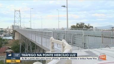 Tráfego na ponte Hercílio Luz será liberado para ônibus, pedestres e ciclistas - Tráfego na ponte Hercílio Luz será liberado para ônibus, pedestres e ciclistas nesta segunda