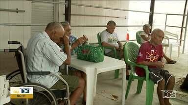 Polícia e Creas verificam denúncia de maus-tratos contra idosos em Imperatriz - Uma das mais recentes a polícia e assistentes sociais verificaram uma denúncia de maus- tratos a uma idosa de 75 anos que estaria sendo vítima do próprio do filho.