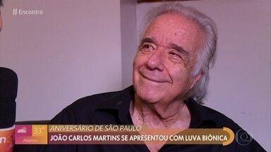 Maestro João Carlos Martins volta a tocar piano graças à luva biônica - Encontro acompanhou retorno emocionante do maestro